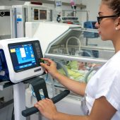 hamilton-c1-neo-nurse-incubator-standby-screen